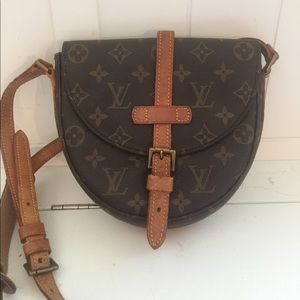 AUTH LV Chantilly crossbody bag